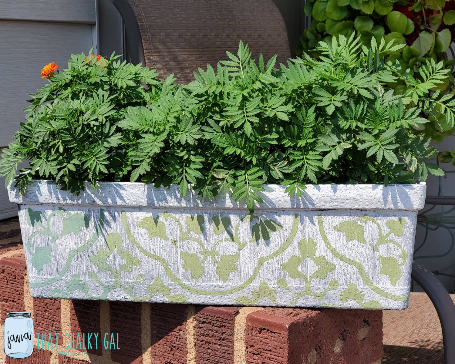diy garden decor - chalk couture - garden projects - that chalky gal - talk chalky to me - transformed planter - planters - garden transformations